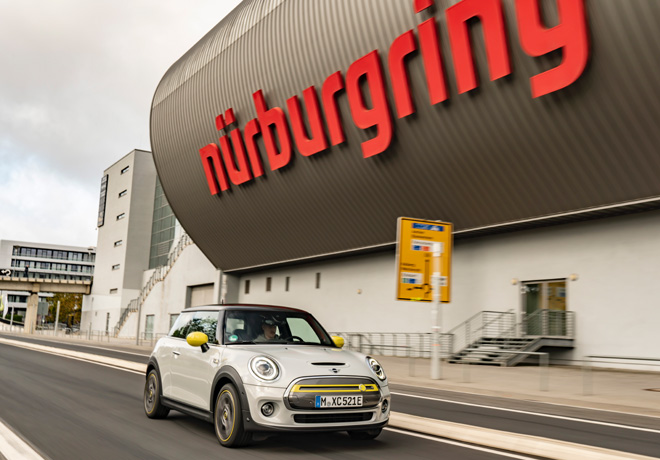 MINI Cooper SE - Green Mode a traves del Green Hell 1