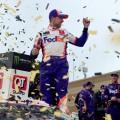 NASCAR - Kansas 2019 - Denny Hamlin en el Victory Lane
