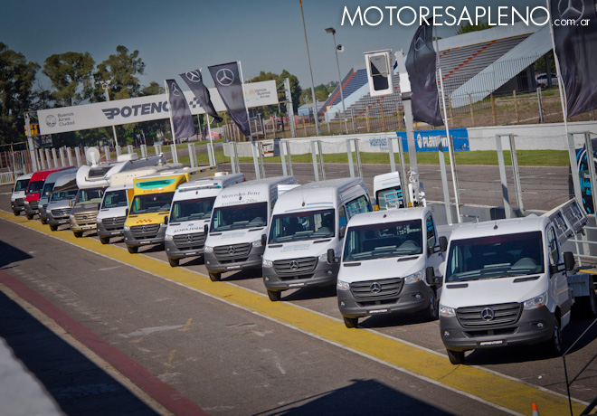 Prueba dinamica de la Nueva Mercedes-Benz Sprinter en el Autodromo de Buenos Aires 1