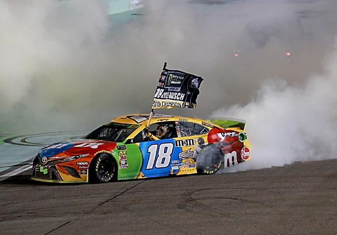 NASCAR - Homestead 2019 - Kyle Busch - Toyota Camry