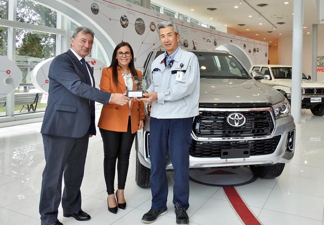 Toyota recibio el trofeo de Latin NCAP por haber obtenido la maxima calificacion en seguridad con Hilux y SW4 1