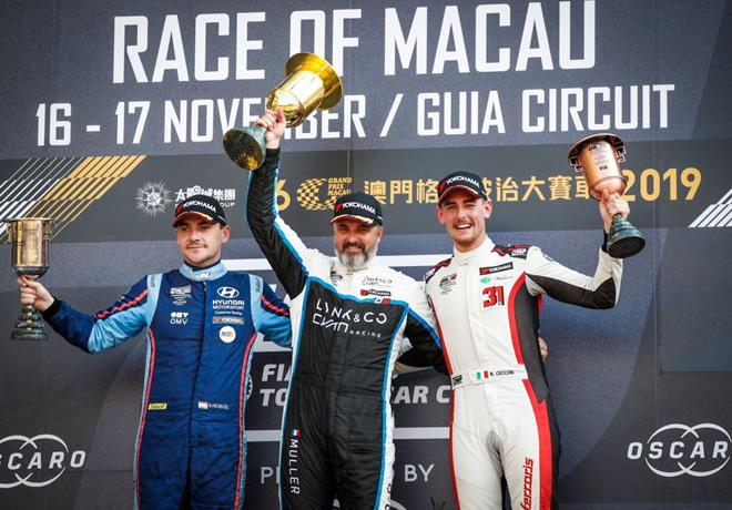 WTCR - Macao 2019 - Carrera 1 - Norbert Michelisz - Yvan Muller - Kevin Ceccon en el Podio