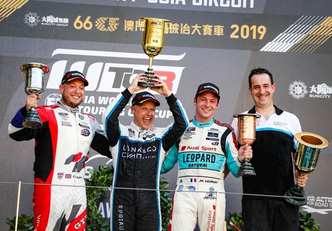 WTCR - Macao 2019 - Carrera 3 - Rob Huff - Andy Priaulx - Jean-Karl Vernay en el Podio