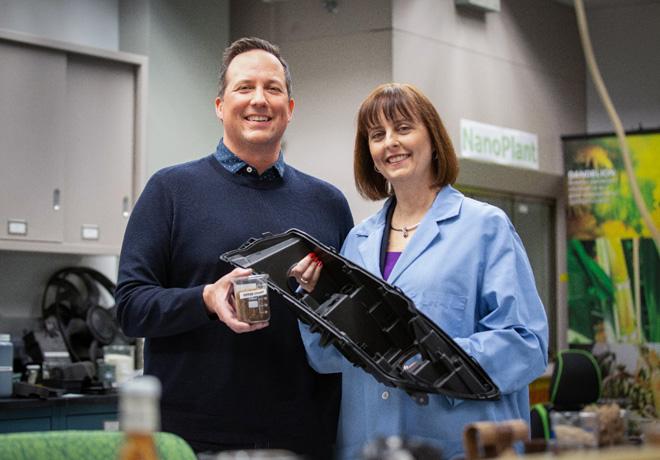 Ford y McDonalds trabajan en conjunto para reutilizar la cascara de los granos de cafe y convertirlas en autopartes 2