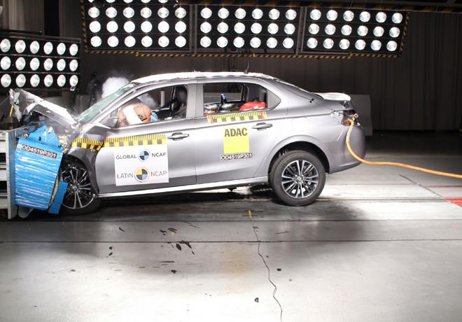Latin NCAP - Peugeot 301 - con 4 Airbags