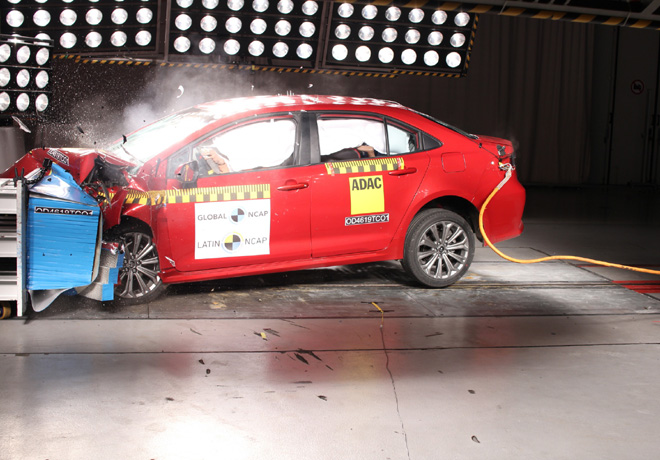 Latin NCAP - Toyota New Corolla - con 7 Airbags