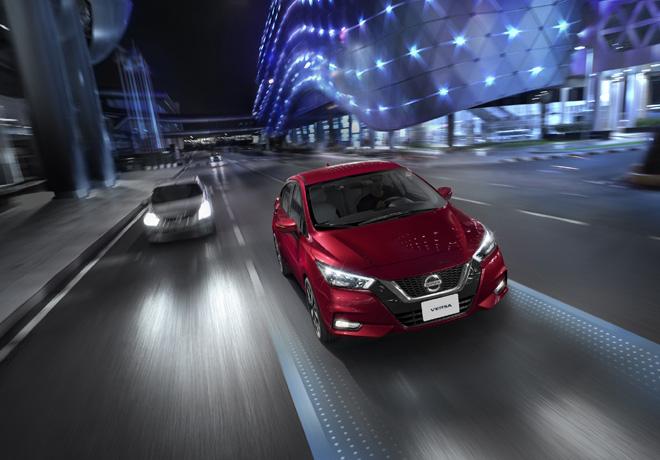 Nuevo Nissan Versa sorprende con tecnologías únicas en su segmento.