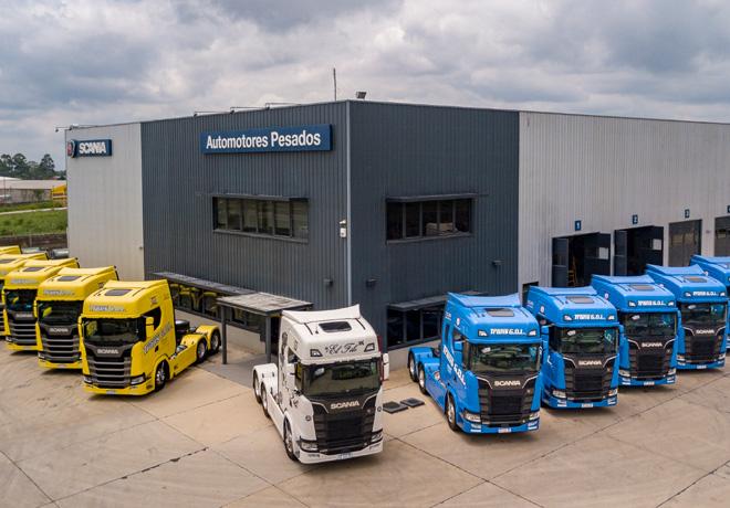 Scania entregó 13 unidades de su nueva generación de camiones a Trans Gol SRL.