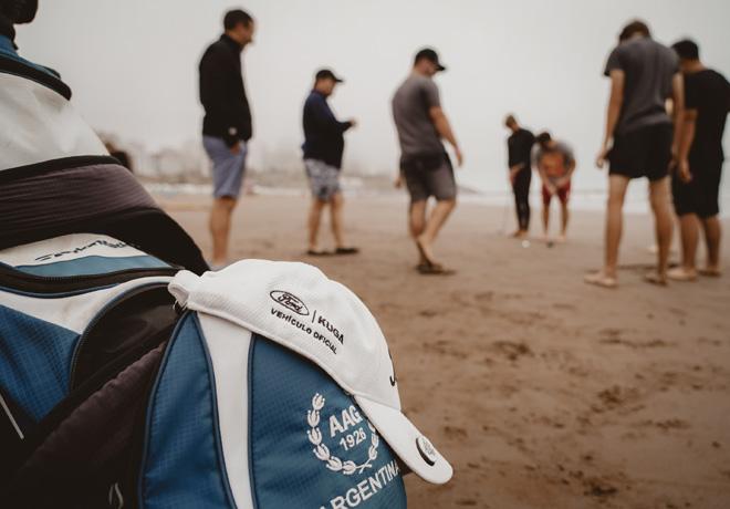 Ford unio el golf y el surf en Mar del Plata 2