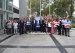 Thomas Owsianski y Pablo Di Si junto al equipo de RRHH del Centro Industrial Pacheco de VWA
