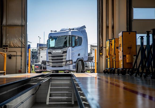 Scania mantiene operativa su Red de Concesionarios para garantizar el correcto funcionamiento del transporte.