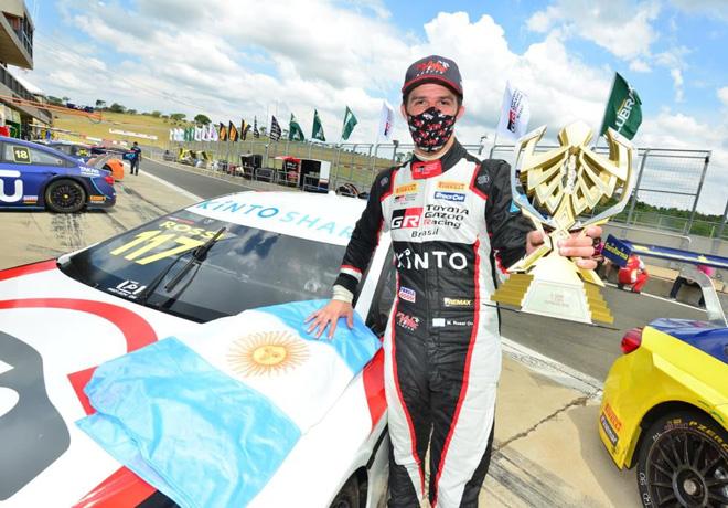Stock Car Brasil en Velo Città – Carrera 2: La victoria fue de Nunes, y Rossi llegó al podio.