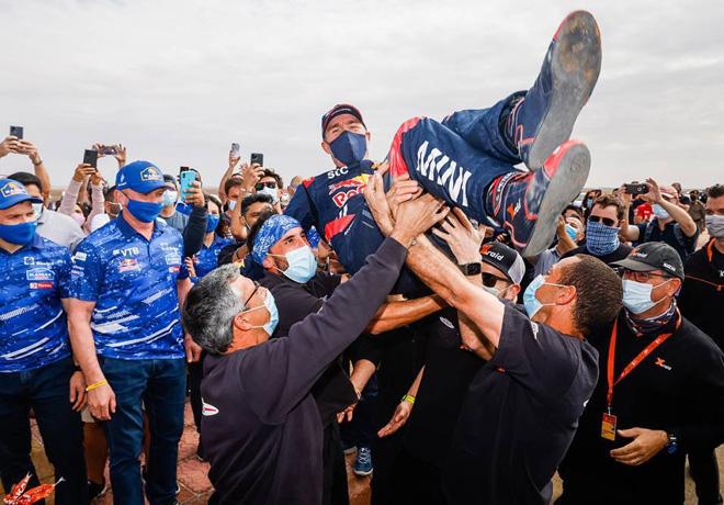 Dakar 2021 – Etapa 12 (Yanbu – Jeddah) Final: Peterhansel, Benavides y Andújar hacen historia.