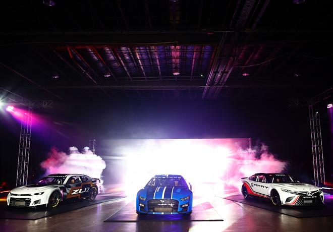 NASCAR: Los nuevos autos ya son oficiales.