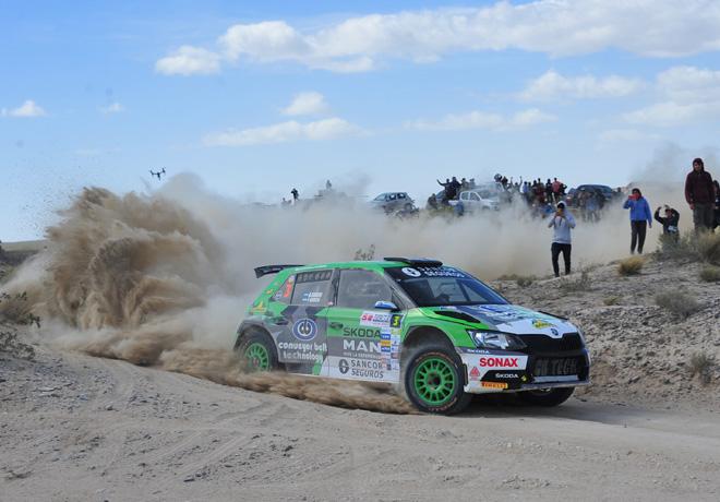 """Rally Argentino en General Roca – Día 1: Cancio a punto de comer su tercera """"manzana"""" consecutiva."""