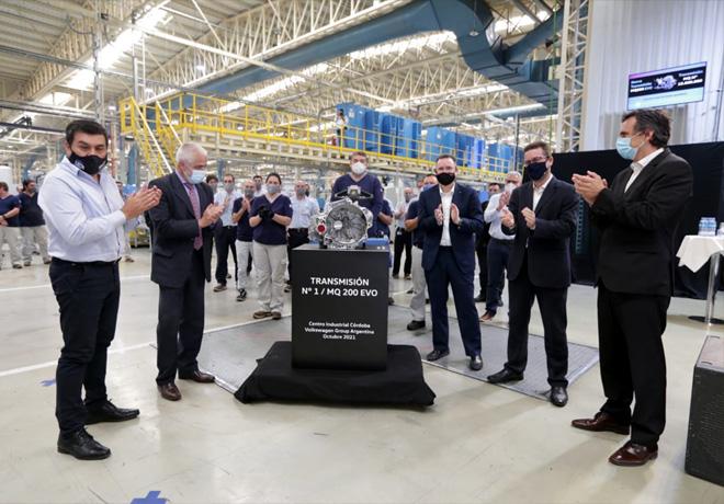 Volkswagen Group Argentina lanza la MQ 200 EVO y celebra las 15 millones de transmisiones producidas en Córdoba.